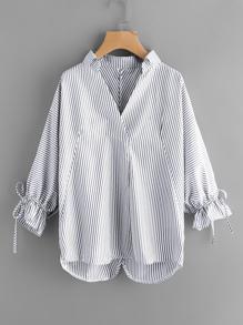 Bluse mit Streifen und Kordelzug um den Ärmeln