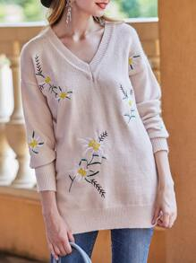 V Neck Flowers Embroidered Sweater