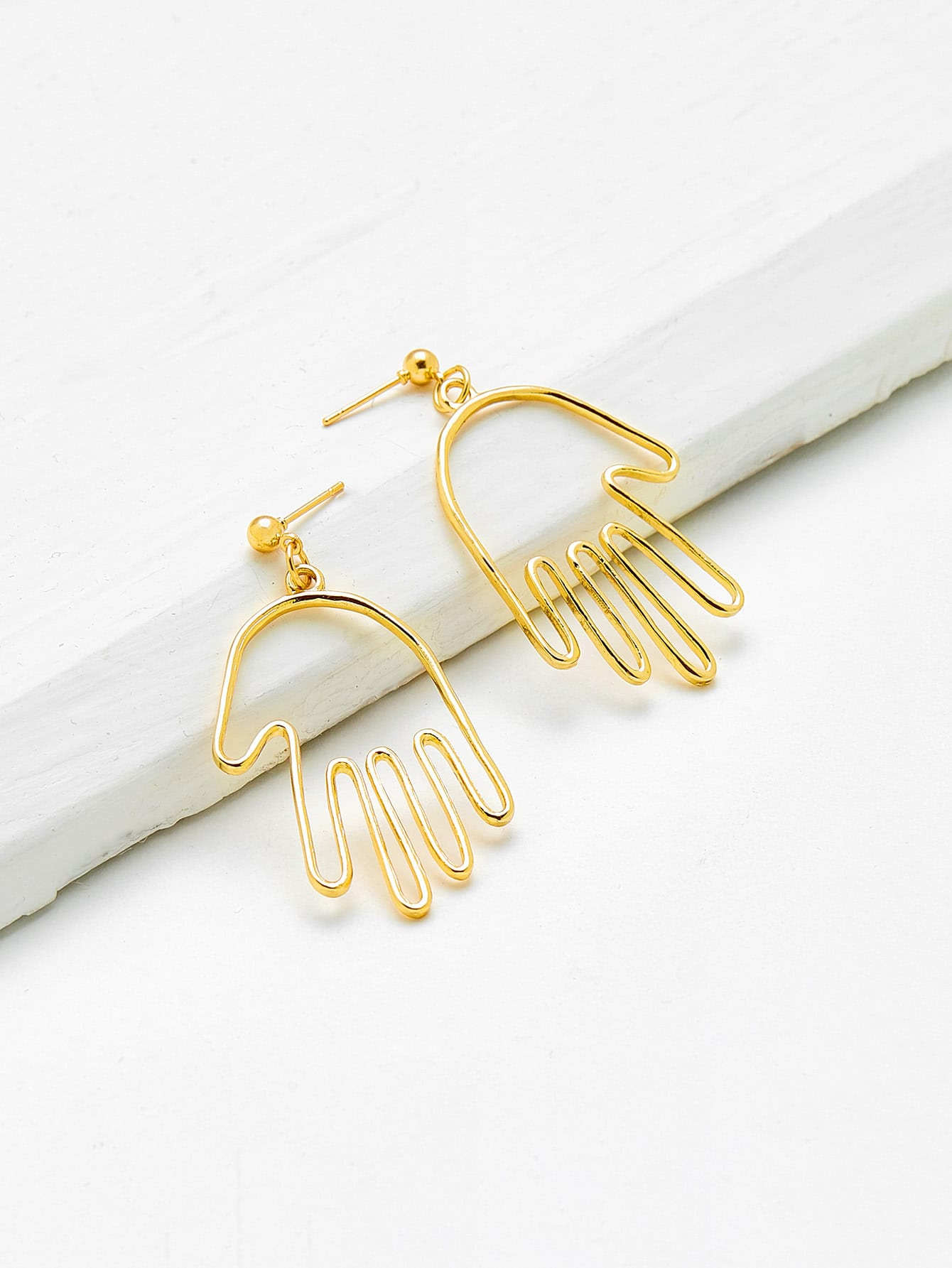 Hollow Palm Shaped Drop Earrings hollow water drop shaped drop earrings