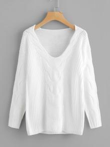 Sweater en tricot à câble avec la chute de l\'épaule