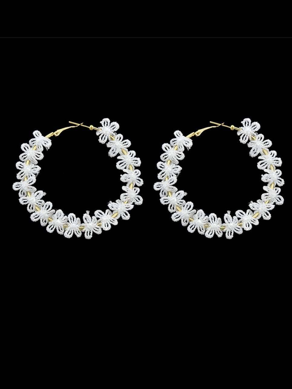 Fashion White Lace Flower Small Hoop Earrings