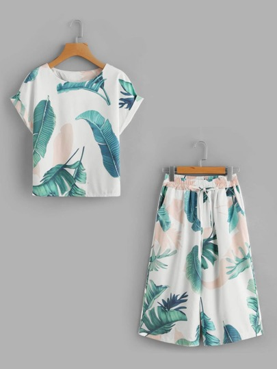 Leaf Print Cuffed Tee And Knee Length Shorts Set