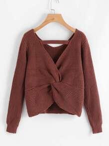 Sweater tordu au dos