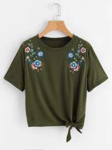 Symmetric Flower Embroidered Knot Hem Tee