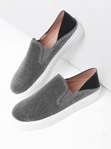 Round Toe Thick-soled Sneakers