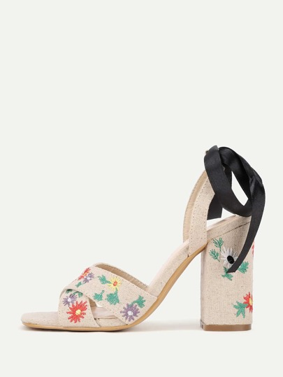 Flower Embroidery Contrast Bow Design Heeled Sandals