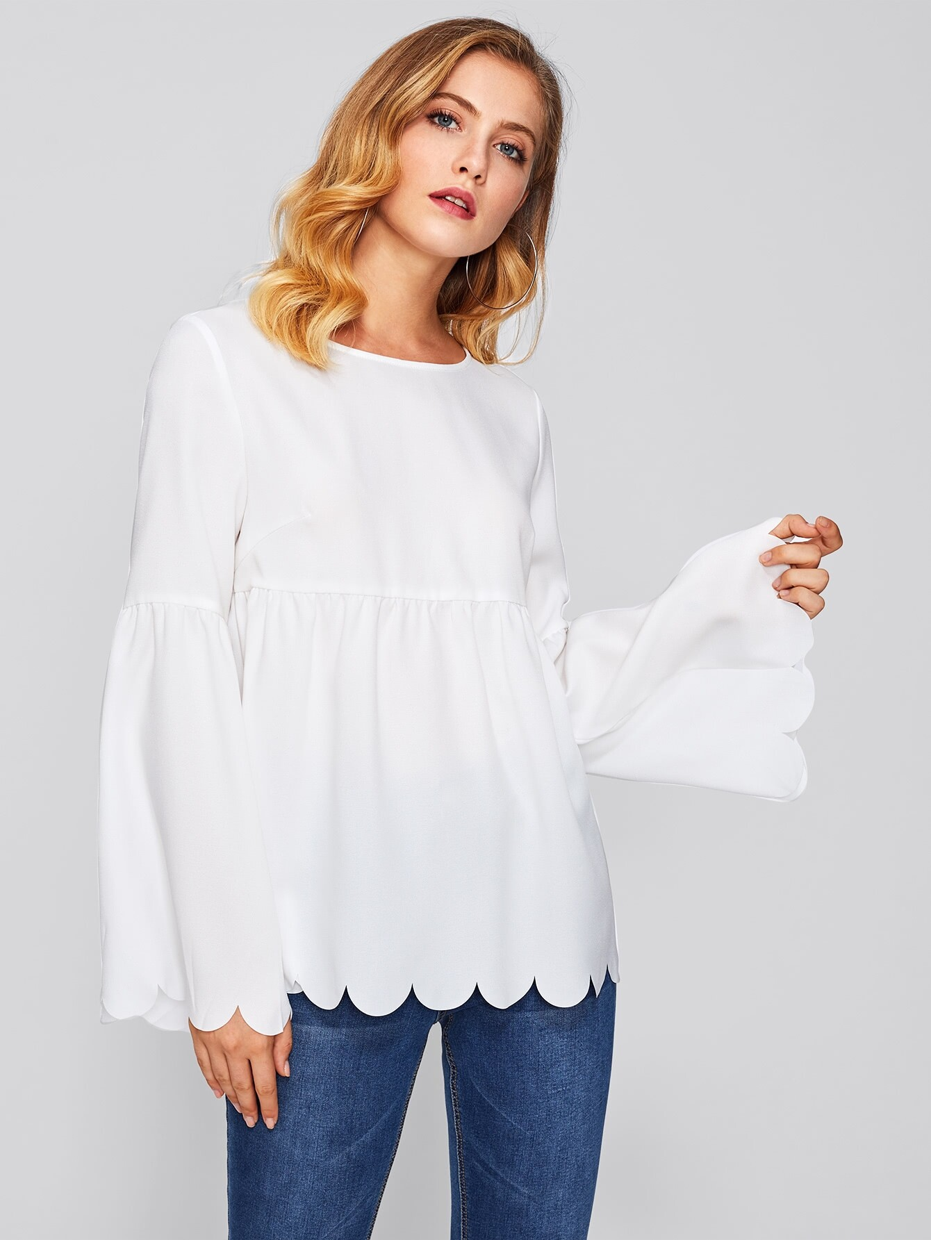 все цены на Scallop Edge Bell Sleeve Smock Top