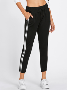 Pantalons à rayures avec un lacet