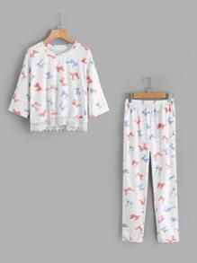 Pajama Set mit Schleifemuster und Spitzen