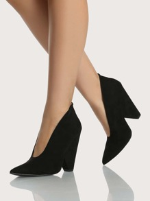 Point Toe Triangle Heel BLACK