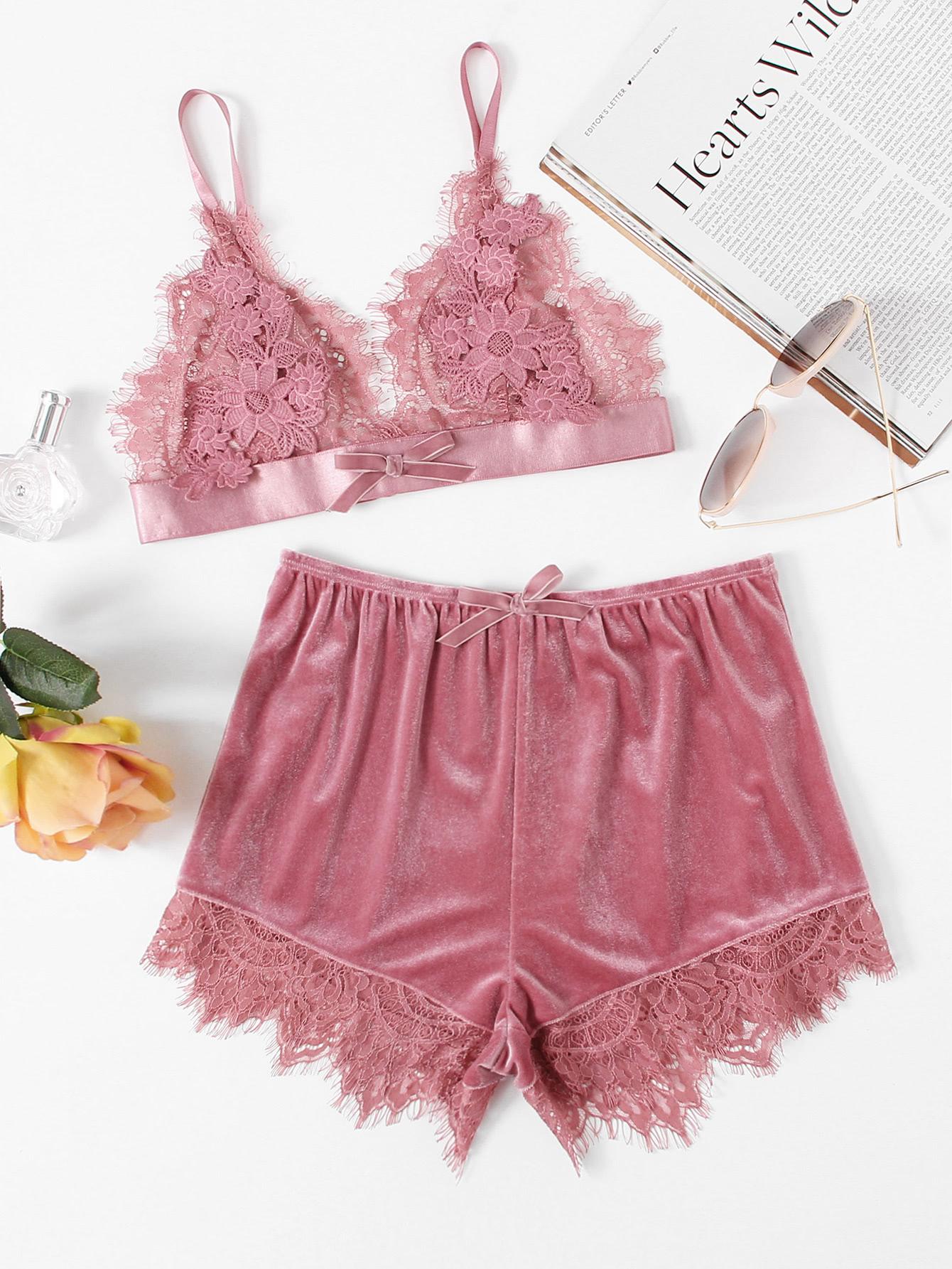 Купить со скидкой Applique Detail Lace Bralette & Velvet Shorts Set