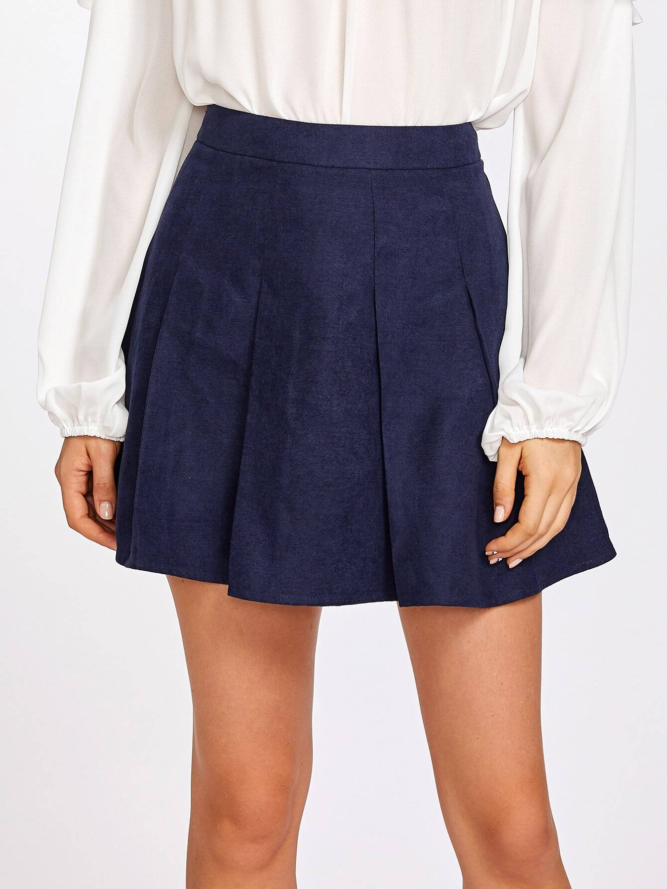 все цены на Boxed Pleated Skirt