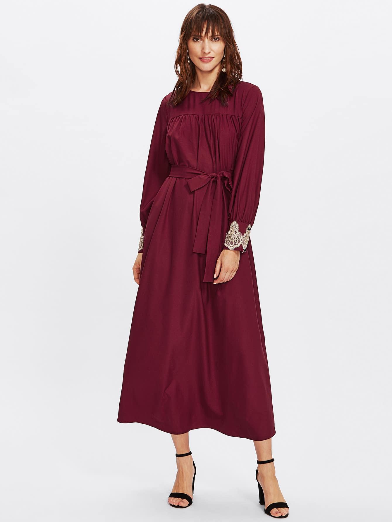 Hijab langes kleid mit stickereien applikation und g rtel - Shein kleidung ...