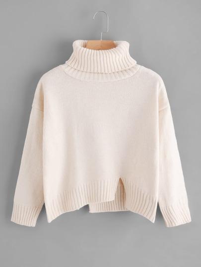 Suéter asimétrico con abertura de cuello alto