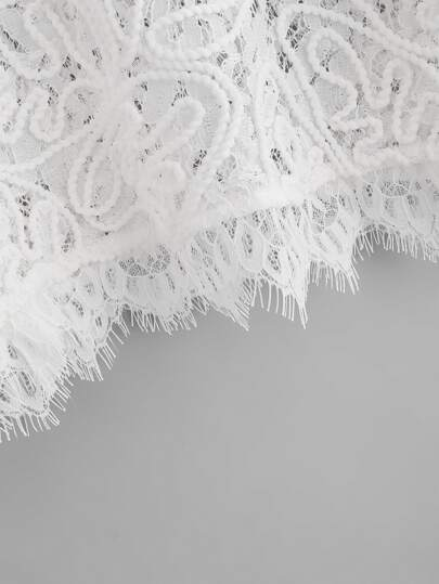 Romwe / Hollow Out Eyelash Lace Crop Top