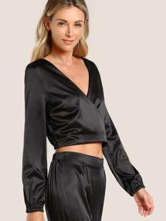 Front Cross Long Sleeve Crop Top BLACK