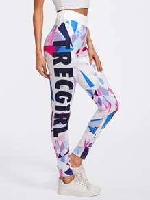 Модные леггинсы с графическим принтом