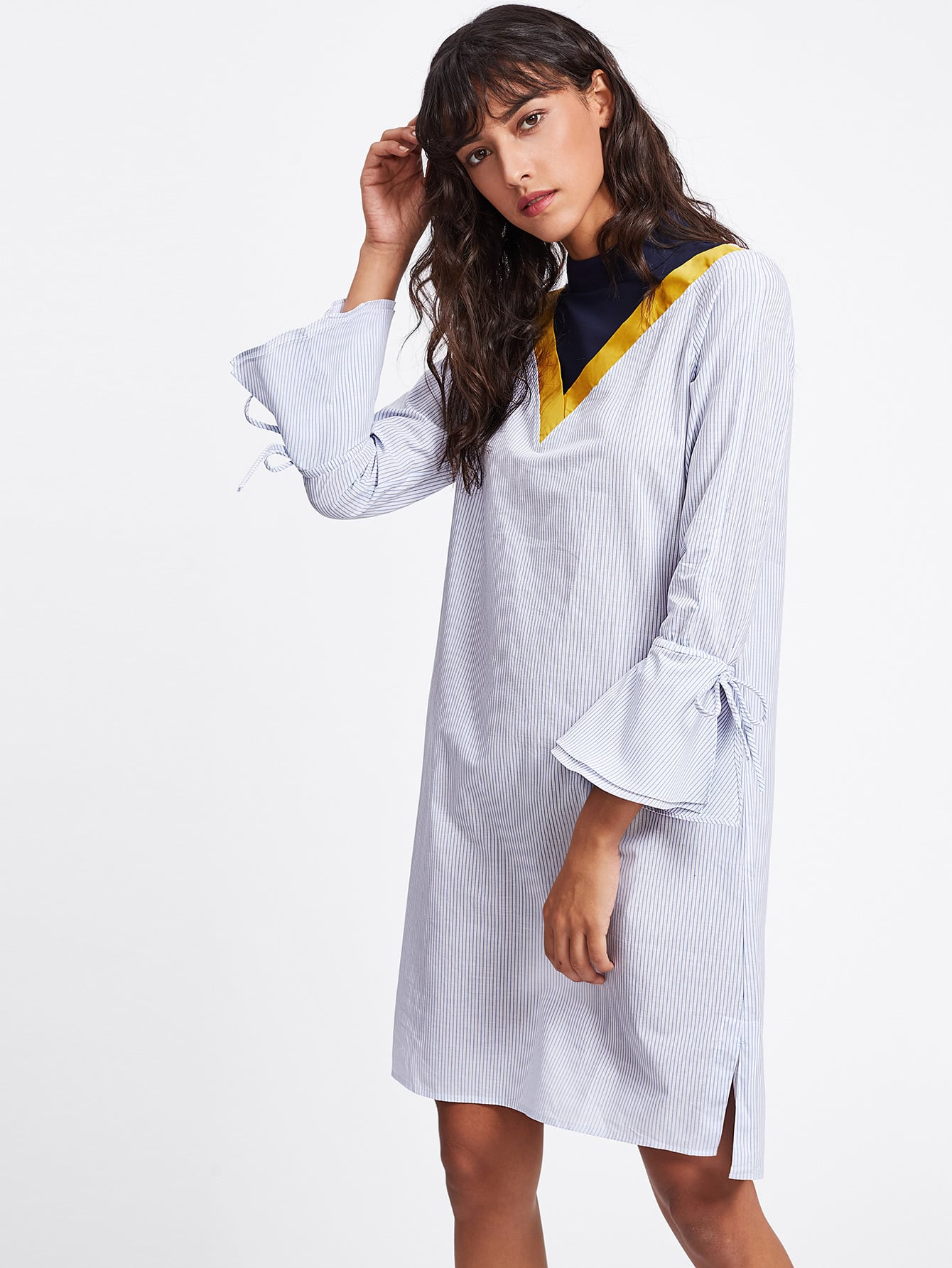 цены Cut And Sew Neck Bell Sleeve Pinstripe Shirt Dress