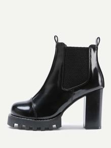 Модные кожаные туфли на каблуках