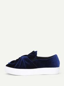 Zapatillas de terciopelo con diseño retorcido