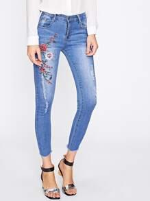 Flower Embroidered Frayed Hem Jeans
