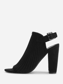 Chaussures au talon ouvert