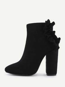 Модные полусапожки на каблуках