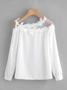 Asymmetrische Schulterfreie Bluse mit Netzstoff und Häkelarbeit