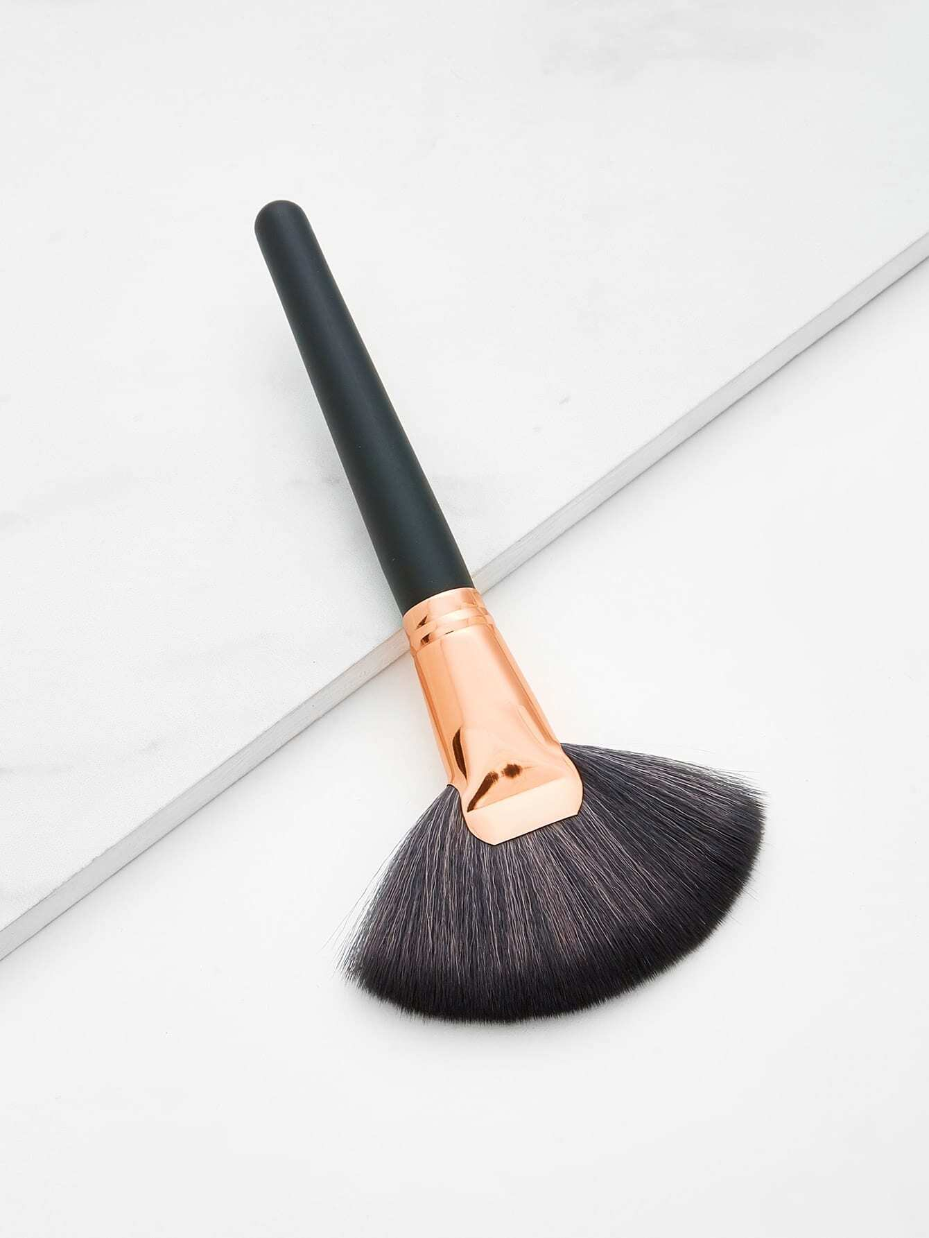Fan Shaped Makeup Brush