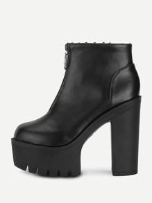 Модные кожаные ботинки на платформе