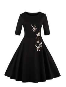 Plum Blossom Embroidered Applique Circle Dress