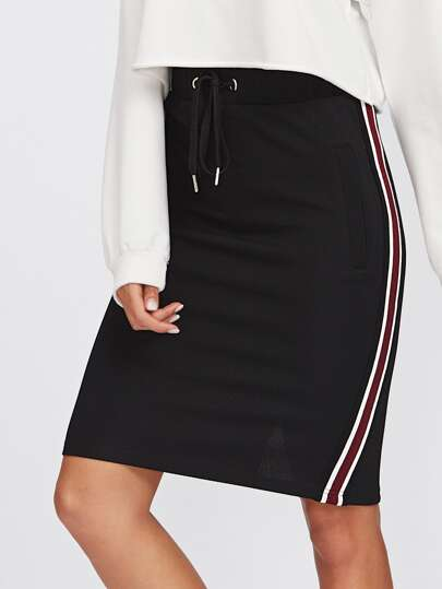 Striped Tape Side Vented Back Textured Skirt