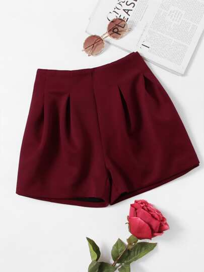 Zip Up Back Pleated Shorts