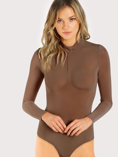 Body transparente de malla con cuello mock