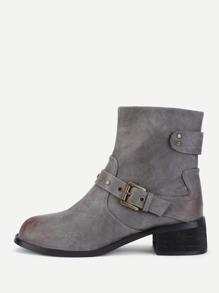 Модные ботинки на каблуках