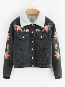 Модная джинсовая куртка с цветочной вышивкой