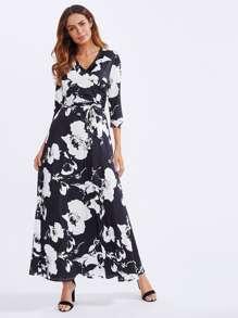 Vestido largo con estampado de flor y cinturón