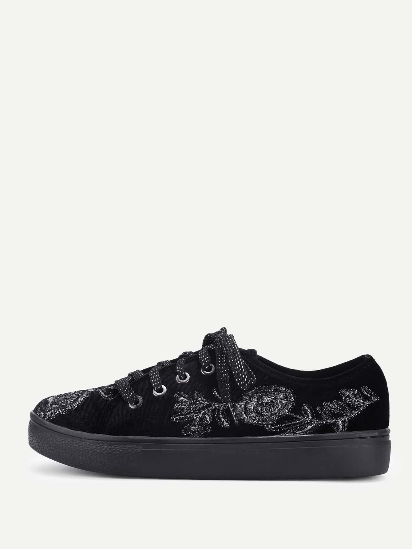 все цены на Flower Embroidery Lace Up Velvet Sneakers