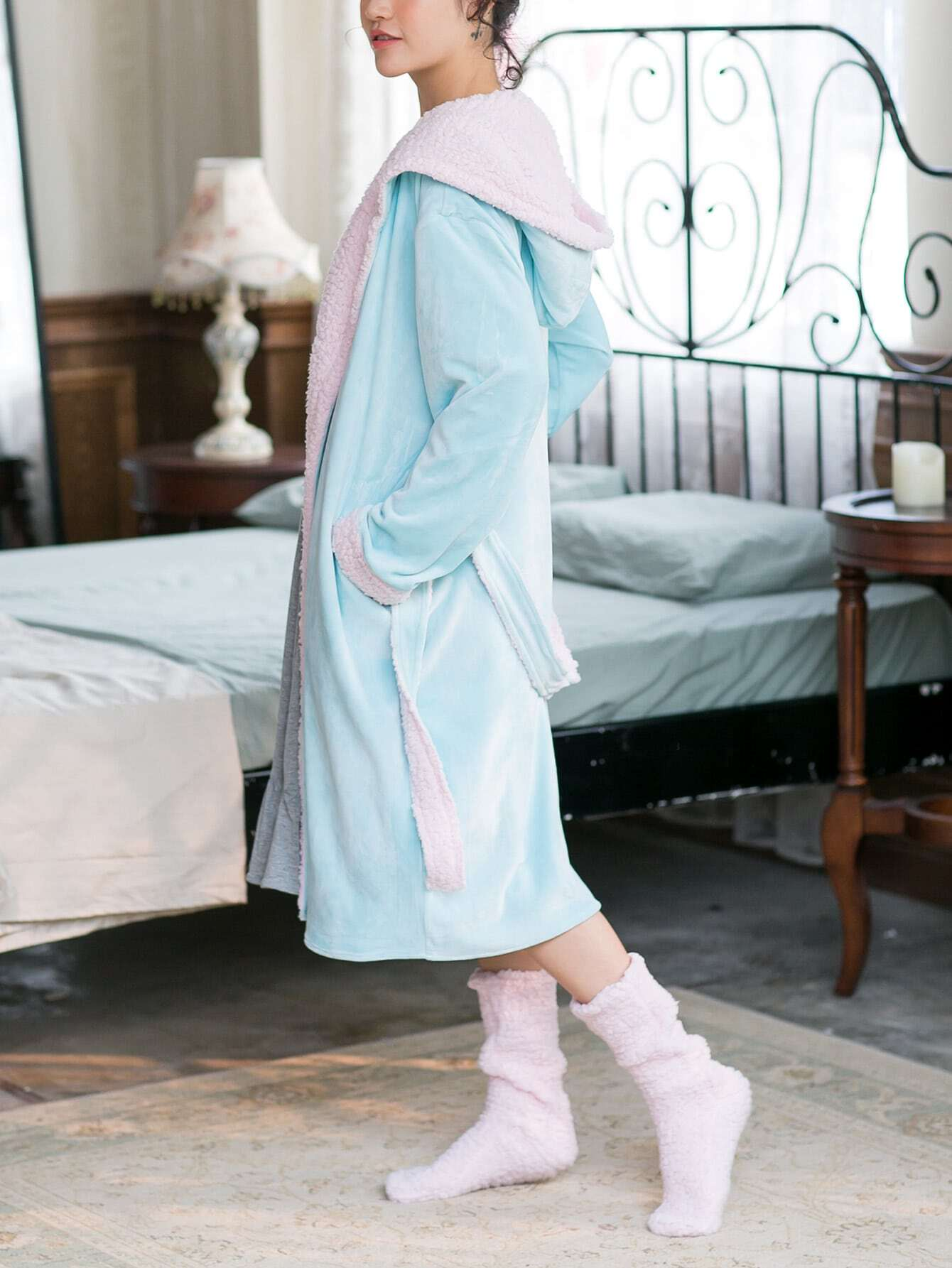 Contrast Faux Fleece Lined Hooded Robe