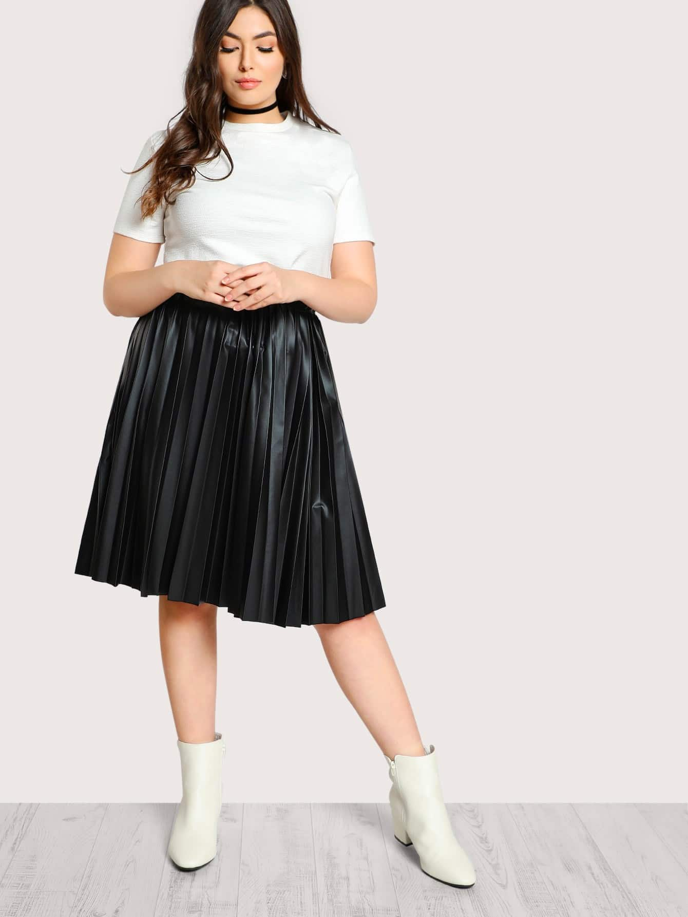 High Rise Faux Leather Pleated Skirt faux leather pleated skirt in black