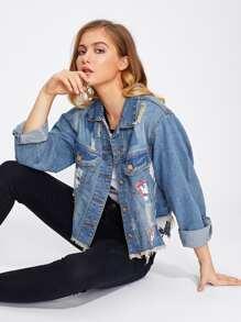 Модная рваная джинсовая куртка с текстовой вышивкой