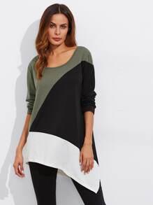 Camiseta con bajo asimétrico en color block