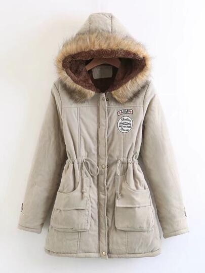 Abrigo estilo parka con pelo sintético y cordón