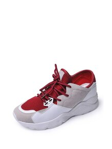 الحذاء الرياضية الأحمر ذات رباط وشبكية العين