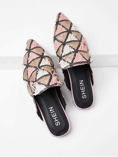 Triangle Pattern Pointed Toe Flats
