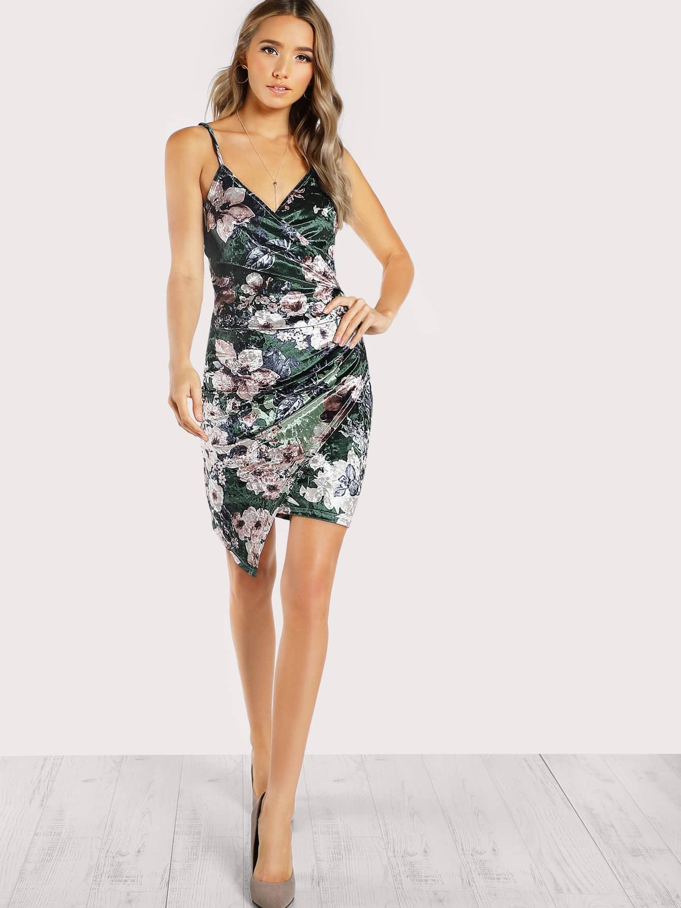цена на Ruched Overlap Floral Velvet Dress