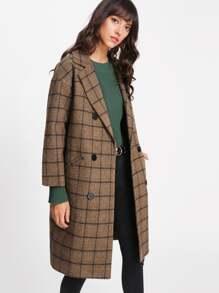Модное клетчатое пальто на кнопках