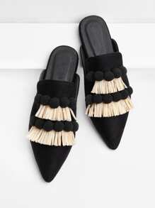 Zapatillas con pompones y fleco