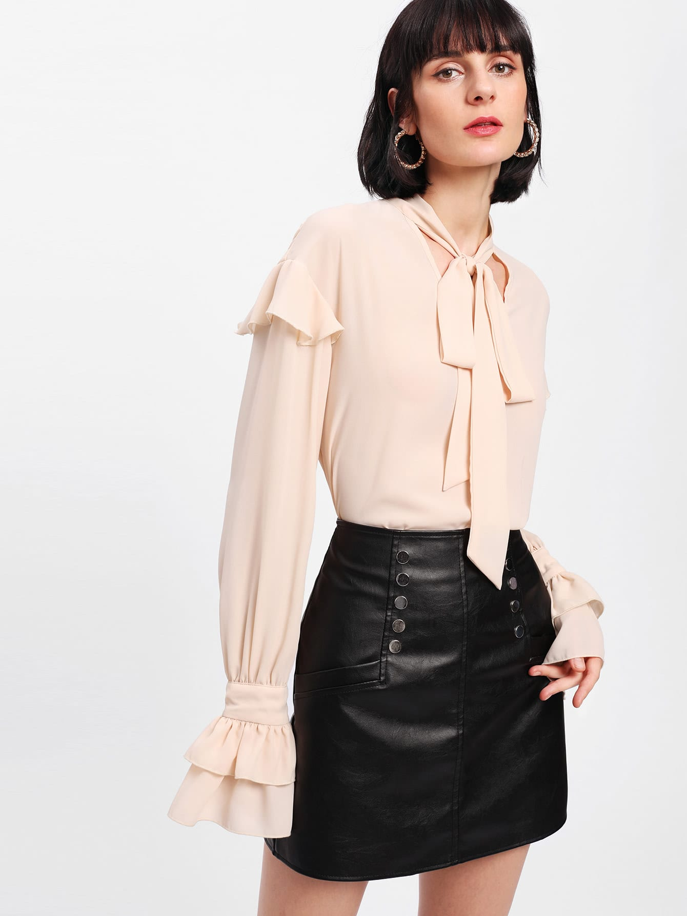 цены Tiered Ruffle Cuff Tied Neck Blouse