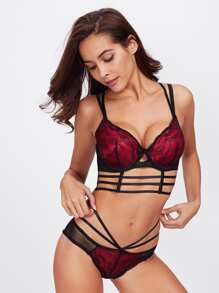 Contrast Lace Strappy Underwire Set
